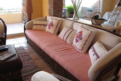 penthouse-couch